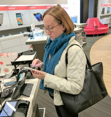 t-shopping-for-cell-phone-img_20161118_180303